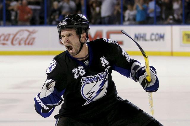 Le Lightning de Tampa Bay retirera le numéro... (Chris O'Meara, Archives AP)