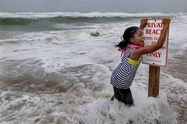 Lailoni Kent, 8 ans, est surprise par la... (AP, Greg Lovett)