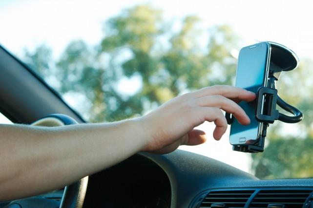 GPS dans une voiture.... (123rf)