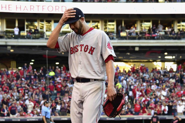 David Price a été retiré du match en... (AFP, Jason Miller)