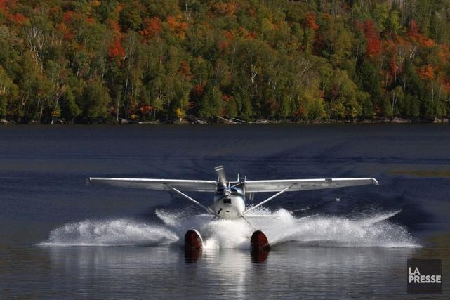 Un hydravion s'est renversé vendredi sur le lac Saint-Augustin, dans la région... (Photo archives La Presse)