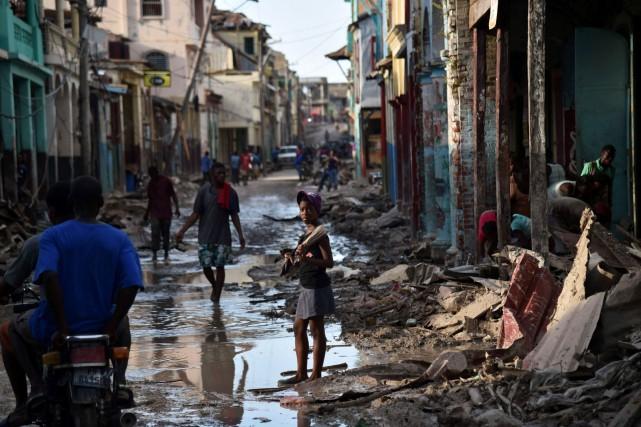 Jusqu'à 80 % des maisons dans le sud... (AFP, HECTOR RETAMAL)