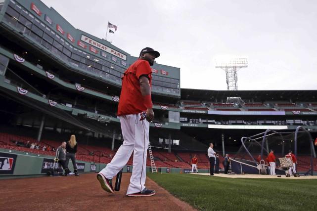Avec une autre défaite des Red Sox dimanche,... (AP, Charles Krupa)