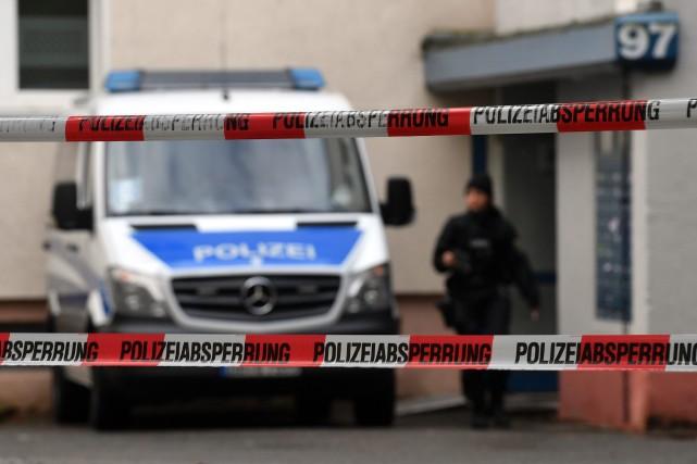 Les autorités allemandes pensent avoir déjoué à ce... (PHOTO Hendrik Schmidt, AP)