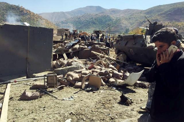 L'attaque a été perpétrée par un kamikaze qui... (PHOTO AFP)