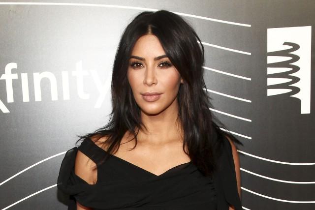 Kim Kardashian a récemment été agressée à Paris,... (AP, Andy Kropa)