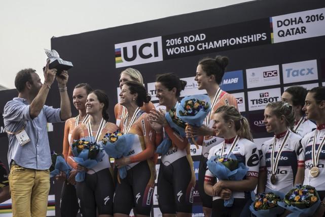 La Gatinoise Karol-Ann Canuel (deuxième cycliste à gauche)... (Khaled Desouki, AFP)