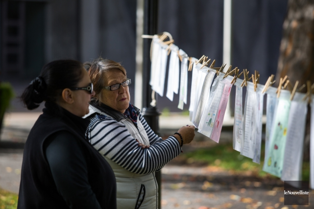 Les cordes à linge du parc Champlain, sur... (Olivier Croteau, Le Nouvelliste)