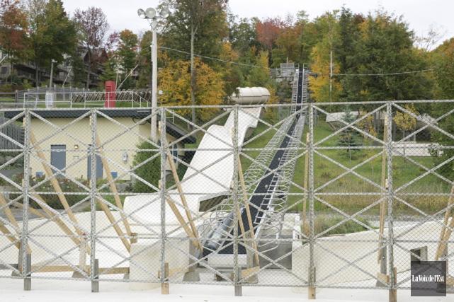 Des grilles ont été installées il y a... (Catherine Trudeau, La Voix de l'Est)