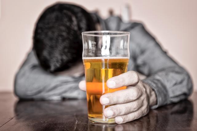 Éduc'alcool estime que le laisser-faire de Québec en... (123rf)