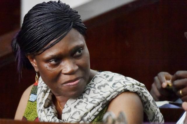 L'ex-première dame ivoirienne Simone Gbagbo devant les assises... (photo SIA KAMBOU, archives AFP)