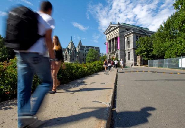 À peine un étudiant étranger sur cinq s'établit... (Photo Alain Roberge, Archives La Presse)