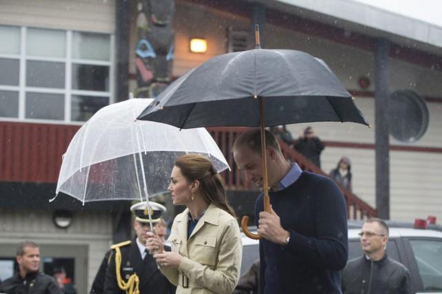 Le couple princier pendant sa visite dans l'Ouest... (Jonathan Hayward, Archives PC)