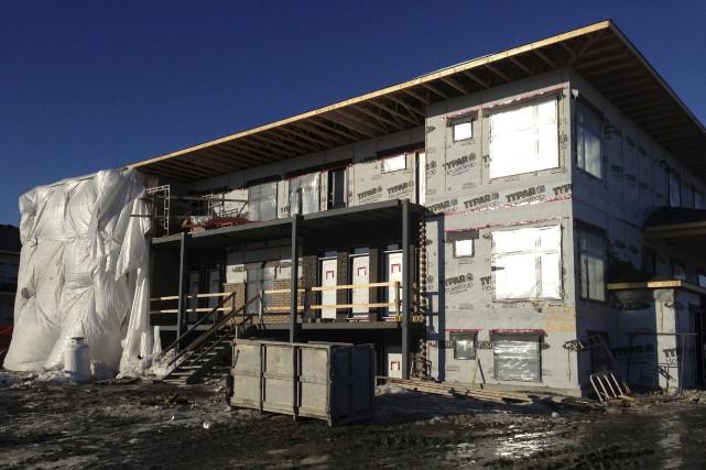 Alors que la tendance des mises en chantier d'habitations augmentait à Ottawa,... (Patrick Woodbury, Archives LeDroit)
