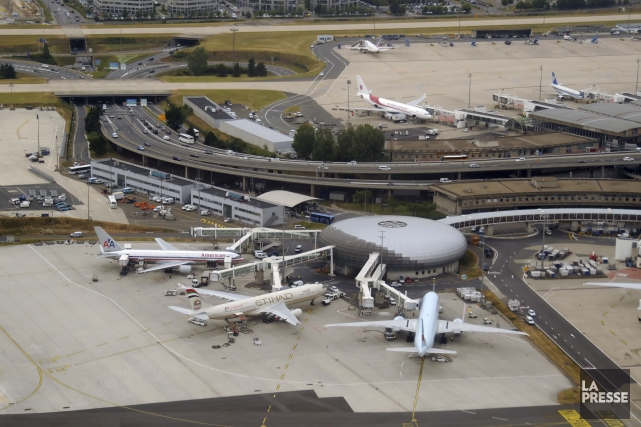 L'aéroport Charles De Gaulle, à Paris... (PHOTO ARCHIVES LA PRESSE)