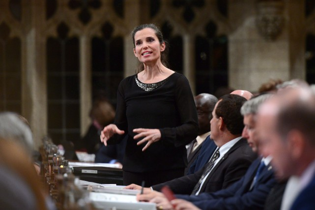 La ministre fédérale des Sciences Kirsty Duncan... (Archives, La Presse canadienne)