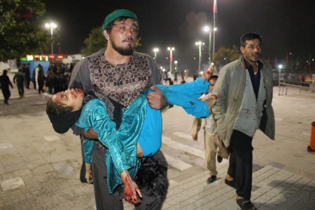 Selon les derniers bilans, les fusillades de Kaboul... (PHOTO AFP)