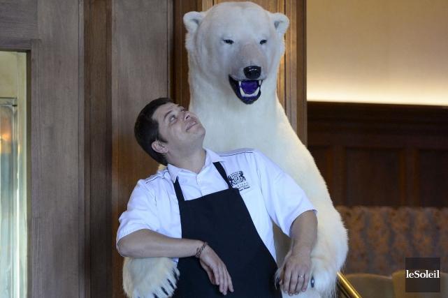«Tantôt, on vient me livrer un ours polaire... (Le Soleil, Yan Doublet)