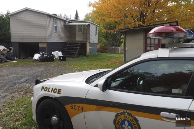 Les policiers de la Sûreté du Québec ont... (Alain Dion, La Voix de l'Est)