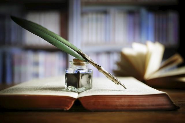 CHRONIQUE / Lyette Potvin, 67 ans, m'a expliqué qu'elle travaille sur son livre... (123RF)