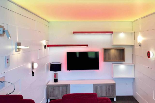 Dans la salle de cinéma-maison, le plafond de... (Fournie par Lux Solutions d'éclairage)
