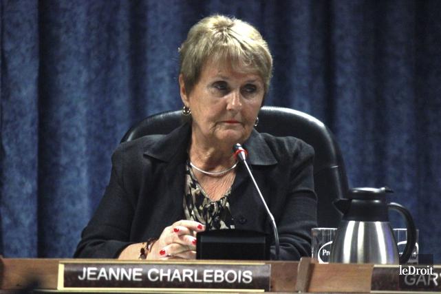 La mairesse de Hawkesbury, Jeanne Charlebois, a suggéré... (Archives, LeDroit)