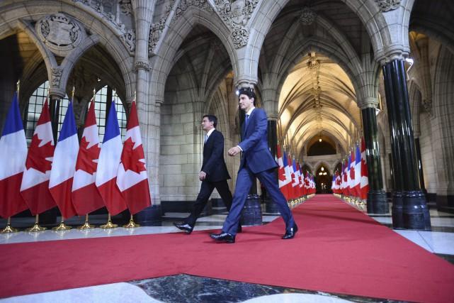 Le premier ministre canadien Justin Trudeau accompagne le... (Sean Kilpatrick, La Presse canadienne)
