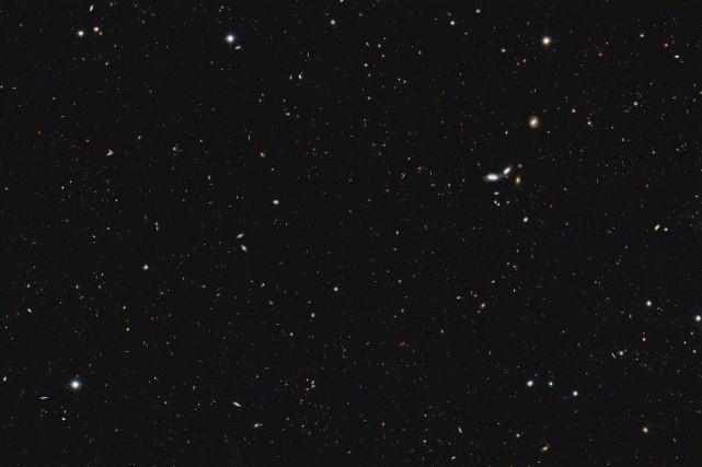 L'Univers compte environ 2000 milliards de galaxies, c'est-à-dire «dix fois... (Photo fournie par la NASA via AP)