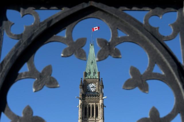 Le gouvernement fédéral a affiché un déficit de 2,7 milliards $ en août,... (Archives, La Presse canadienne)