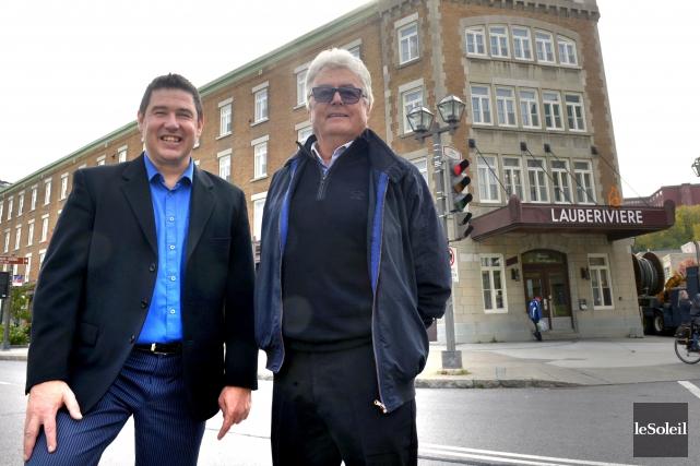 Le directeur général de Lauberivière, ÉricBoulay, et le... (Le Soleil, Jean-Marie Villeneuve)