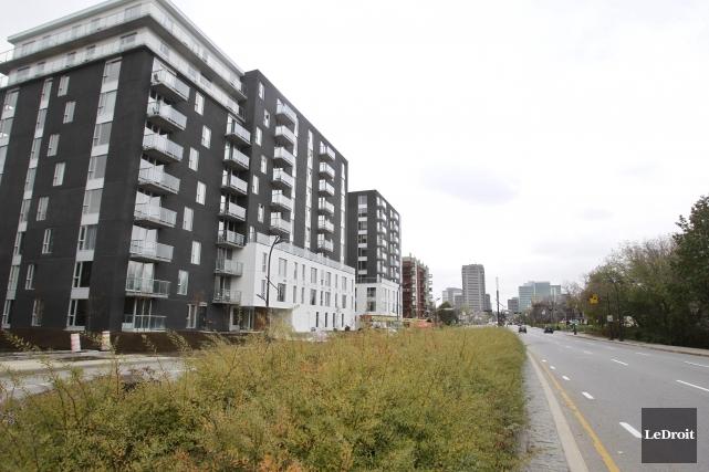Les condominiums ont enregistré une baisse de 9,4%... (Patrick Woodbury, LeDroit)