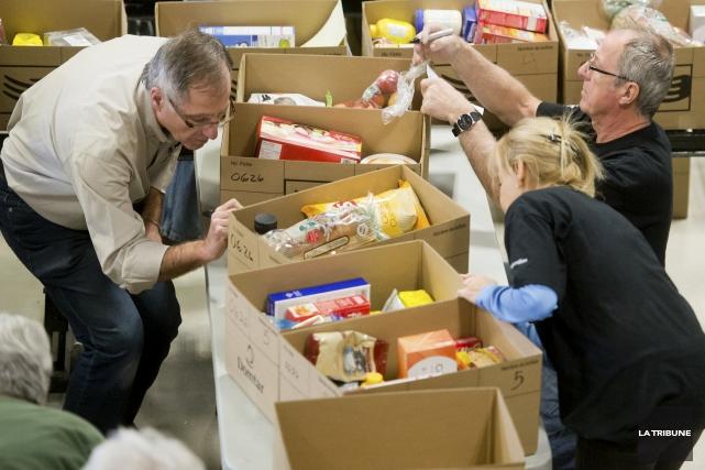 En 1957, Caritas-Sherbrooke fondait un organisme Les paniers de Noël. (Archives, La Tribune)