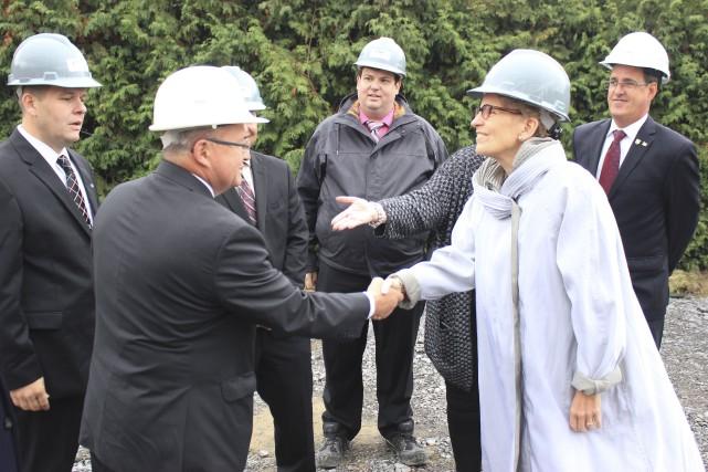 La première ministre Kathleen Wynne a rencontré plusieurs... (Martin Brunette, LeDroit)