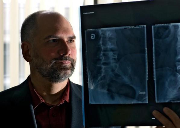 Roger Hobden était médecin à l'École supérieure de... (Photo André Pichette, archives La Presse)