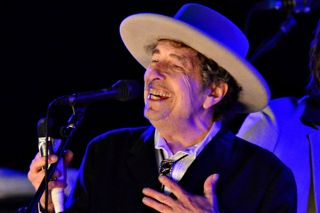 Bob Dylan au festival The Hop de Paddock... (PHOTO KI PRICE, ARCHIVES REUTERS)