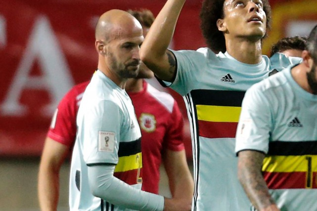 Le défenseur de l'Impact Laurent Ciman (à gauche)... (Photo Jose Manuel Ribeiro, AFP)