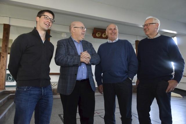 Luc Beaudoin (deuxième à gauche) a accueilli entre... (François Gervais)