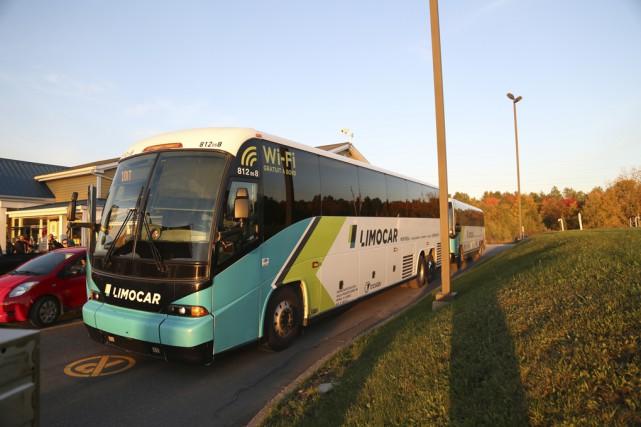 Un autocar bondé arrive à l'Autoparc 74 de... (Julie Catudal)