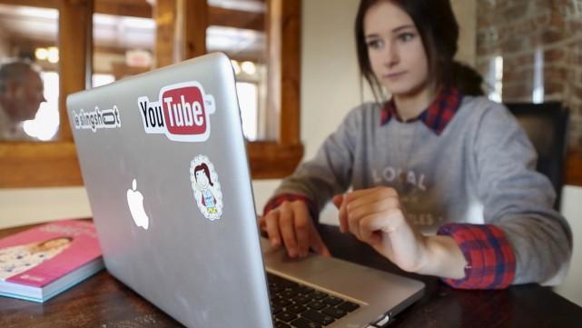 Emma Verde compte 540 000 abonnés sur Youtube... (Spectre Média, René Marquis)
