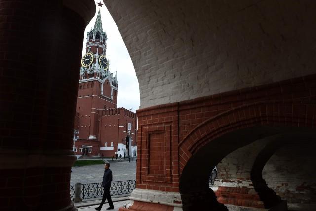 Le Kremlin a dénoncé samedi le niveau d'«agressivité» sans précédent des... (PHOTO VASILY MAXIMOV, AFP)