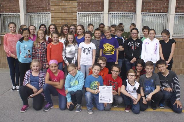 Le journal étudiant de l'école le Tandem de... (Photo Le Progrès-Dimanche, Mélissa Viau)