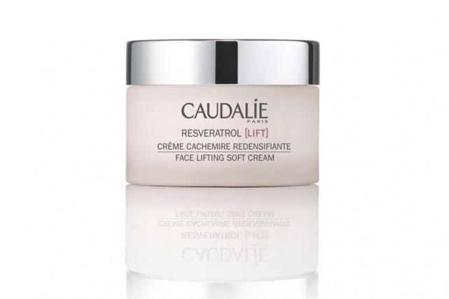 Crème Resveratrol LIFT de Caudalie (84$, 50 ml)...