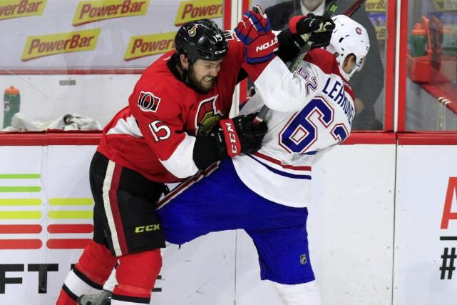 Zack Smith impose sa philosophie à Atturi Lehkonen,... (Photo La Presse Canadienne)
