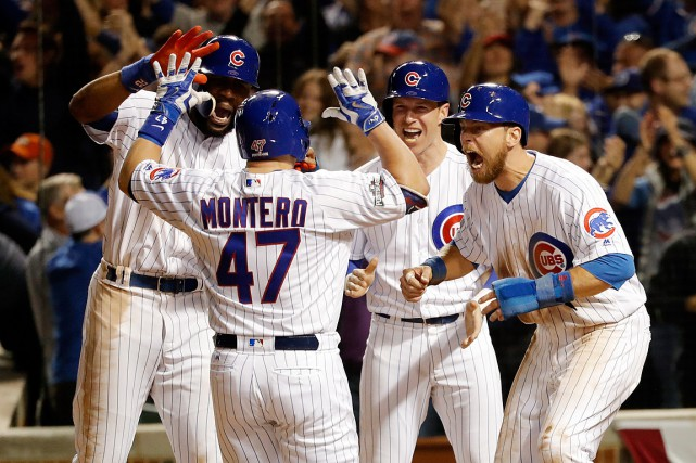 Miguel Montero (47) a été accueilli en héros... (Photo Jon Durr, USA Today)