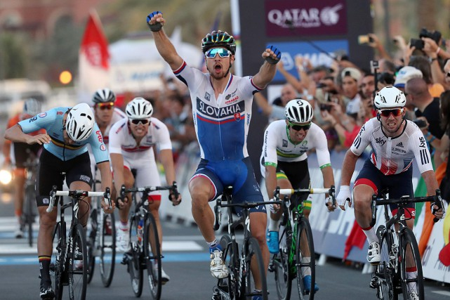Le Slovaque Peter Sagan s'est imposé au sprint.... (PHOTO KARIM JAAFAR, AFP)