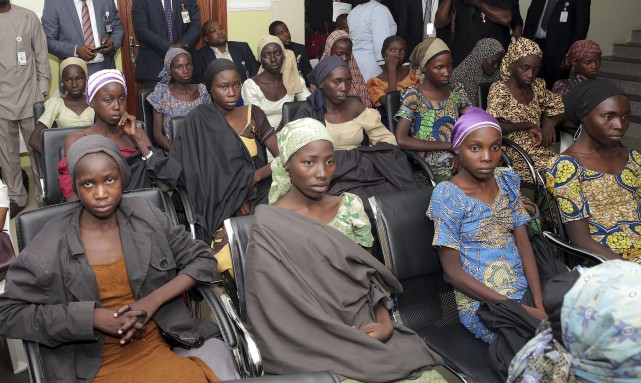 Jeudi, 21 lycéennes de Chibok ont été libérées.... (AP, Sunday Aghaeze)