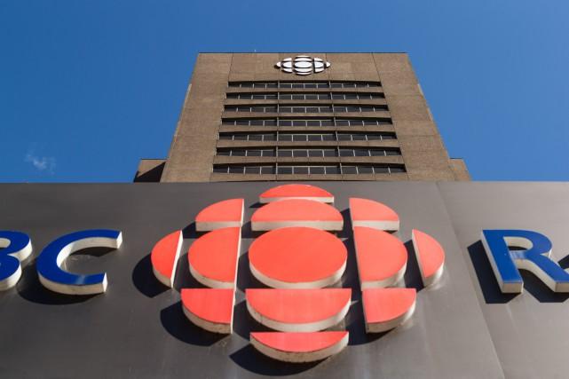 Devrait-on exiger dès l'embauche des journalistes à Radio-Canada et CBC de... (Archives, La Presse)