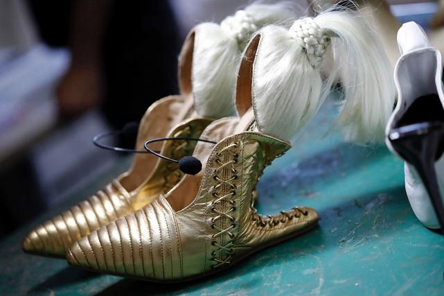 Les «créatures» de Kobi Levi, faites sur mesure... (PHOTO THOMAS COEX, AFP)
