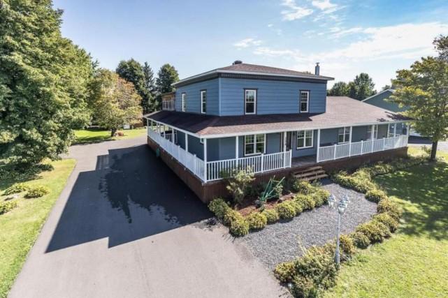 Cette maison mise en vente à 369000$ compte... (PHOTO FOURNIE PAR CENTRIS)