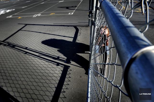 ÉDITORIAL / L'intimidation est encore trop présente à l'école, dans les lieux... (Archives, La Tribune)